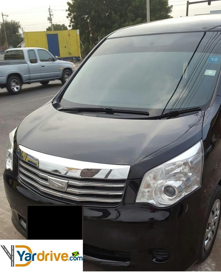 Toyota Sienna Rental: 2011 Used Toyota Noah Minivan For Rent In Jamaica $34,430