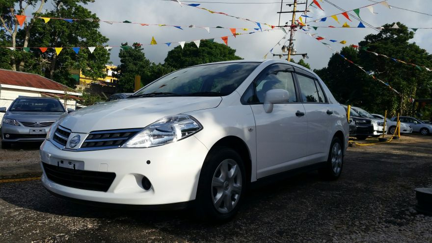 Cars For Sale In Jamaica 2011 Used Nissan Tiida Latio Hatchback ...